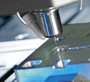 V mikroobrábění významně ovlivňuje spolehlivost upínačů nástrojů stabilita procesu a dosažitelná přesnost