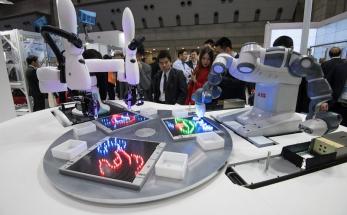 ABB a Kawasaki vytvořily první společné rozhraní pro kolaborativní roboty