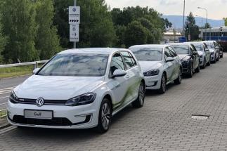 Firemní flotila společnosti Siemens se rozšíří o 6 elektromobilů – Volkswagen e-Golfů druhé generace