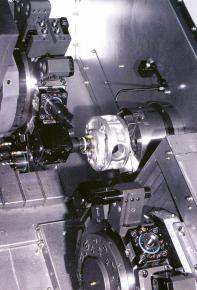Obr. 3: Pracovní prostor CNC soustružnického centra rodiny LM-TT