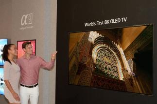 LG představuje na veletrhu IF první 8K OLED televizor na světě