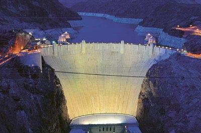 Hráz Hooverovy přehrady