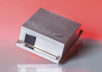 Obr. 2: Širokopásmový spektrálně laditelný kaskádový laser s emisí v MIR a frekvencí 1 kHz pro kontrolu léčiv