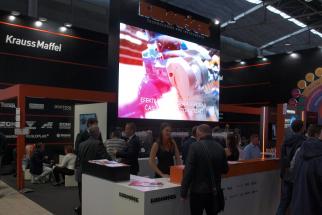 Kuboušek měl na MSV dva stánky, v pavilonu G1 prezentoval vstřikovací technologie