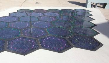 Solární panely pro silnice z dílny společnosti SolarRoadways