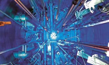 Pohled do nitra výzkumného jaderného reaktoru