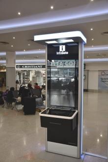 Kiosek s virtuálním informační službou se nachází ve veřejné části odletové haly Terminálu 1 v prostorách, kde se do nynějška nacházela informační přepážka. Ta se po dobu testování uzavře.