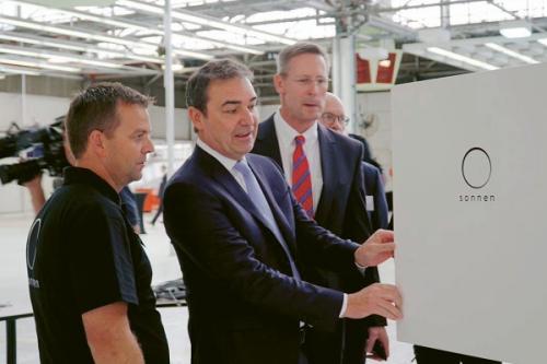 Otevírání nového závodu firmy sonnen v Austrálii /Foto: sonnen/