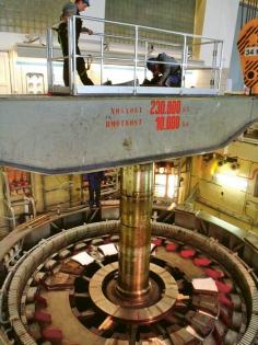 Demontáž rotoru ze šachty soustrojí TG1 /Foto: ČEZ/
