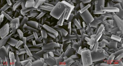 Zeolit pod elektronovým mikroskopem /Zdroj: Wikipedie/