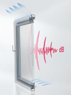 """Okenní řešení AWS 90 AC.SI má speciální středové těsnění a vzduch proudí přes rám, čímž zajišťuje snížení zvuku ve sklopené """"ventilační"""" poloze, tedy během větrání"""