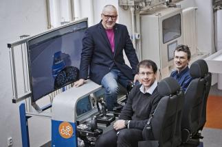 Na FEL ČVUT vzniká nové výzkumné centrum Smart Driving Solutions. Chce prosadit řízení aut typu drive by wire