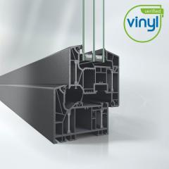 Okenní systém Schüco LivIng Alu Inside bez použití oceli s patentovanou technologií hliníkových pásků pro nejlepší tepelně izolační účinnost (Uf = 0,87 W/m²K).