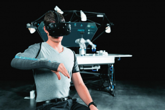 Manipulace řízená na dálku: Bezpečná práce za pomoci textilního ošacení a brýlí pro virtuální realitu z bezpečné vzdálenosti