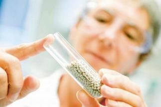 Nový výrobek Vestakeep se uplatňuje se také v lékařské technice pro páteřní implantáty,