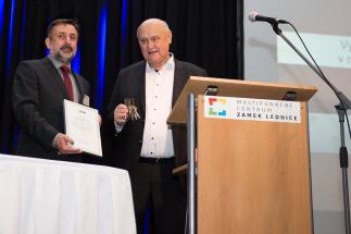 Jaroslav Klíma získal Cenu ČSMS za významné zásluhy v oblasti vývoje elektronových mikroskopů a novodobých mikroskopických technik