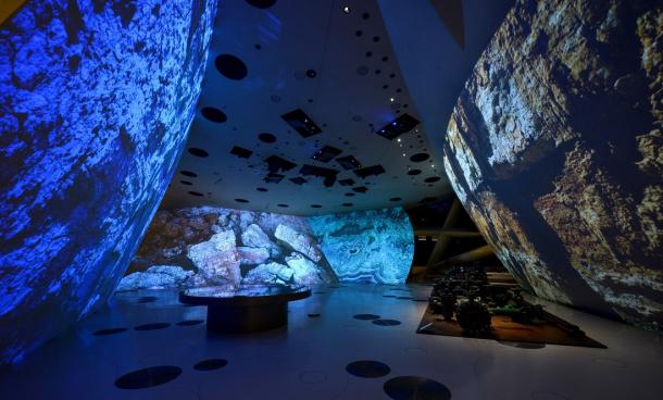 Instalace v Národním muzeu v Kataru se skládá z celkem 112 projektorů Panasonic s rozlišením 4K.