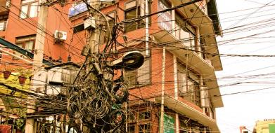"""""""Divoká"""" elektrifikace v Thajsku /Foto: Archiv autora/"""