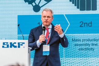 Generální ředitel SKF Alrik Danielson nastínil možnosti, které 4. průmyslová revoluce skýtá firmám, jako je SKF, k tomu, aby byly v konkurenceschopnosti na špičce a stanovovaly technologické trendy