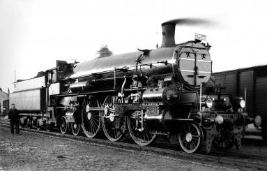 - Lokomotiva řady 375.0, přezdívka Hrboun. Jedna z ikon posledních let rakousko-uherské železnice. Archiv Depa historických vozidel