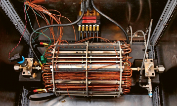 """Kalorimetr, který skupina vědců z univerzity v Britské Kolumbii s pomocí grantů společnosti Google vyvinula speciálně k měření energií při experimentech se """"studenou fúzí"""". Jde zatím zřejmě o nejpřesnější zařízení pro tento účel na světě, stopy tohoto zázračného procesu ovšem nezachytilo /Foto: UBC/"""
