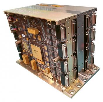Software palubního počítače Hery musí detekovat chyby v pamětích vzniklé v důsledku poškození zářením a umět s nimi náležitým způsobem pracovat.