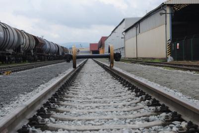 První dvoukolí nákladního vagónu na nové vlečce společnosti RYKO a.s., kterou dnes firma uvedla do zkušebního provozu