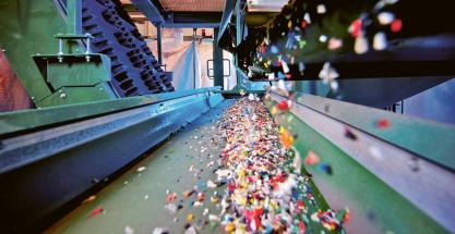 Při použití recyklovaných pelet se sníží vznik škodlivých emisí až o 30 %