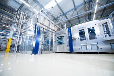 Do svých rozváděčů a krytů strojů instaluje Krones rozhraní pro čelní panel společnosti Murrelektronik a vytváří tím bezpečný přístup k řídicímu systému
