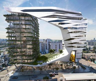 """Svěrák, v němž je """"upnuta"""" tradičně řešená věž zdobená lodžiemi, připomíná návrh 15patrového hotelu od architektů ateliéru Morphosis. Zda a kdy se tento projekt stane realitou, je zatím ve hvězdách."""