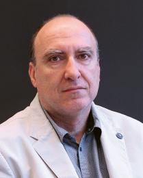 """Petr Lenfeld: """"Absolventi programu Technologie plastů a kompozitů budou velmi ceněni na trhu práce nejen v České republice a budou si moci vybírat z lukrativních nabídek zaměstnání od českých i zahraničních výrobců."""""""
