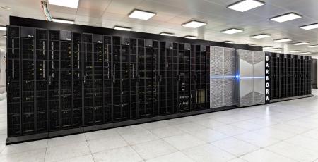 Kombinovaný teoretický výpočetní výkon superpočítače Barbora je 826 TFlop/s