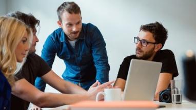 Poptávka po IT specialistech neustále roste