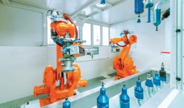 Odhrotovací robotická buňka WMS na odstraňování otřepů po třískovém obrábění kovů vybavená speciálními patentovanými odhrotovacími nástroji s flexi vřetenem se vzduchovým i elektrickým pohonem