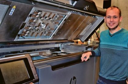 A. Shynkarenko v laboratoři 3D tisku