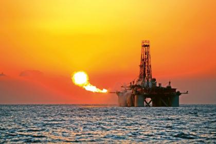 Ani černé zlato neřeklo poslední slovo. Těžba ropy v příštích letech významně poroste