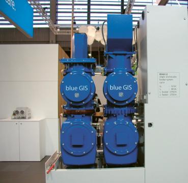 Vypínač Siemens 8DAB 12 pro napětí 12 kV a proudy až 2 750 A