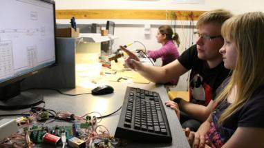 Liberecká fakulta mechatroniky přizvala školy do partnerského programu