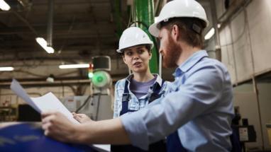 Žen zaměstnaných v českém průmyslu přibývá