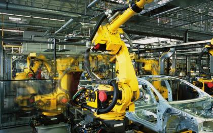 Od lisovny přes výrobu karoserie a motoru až po finální montáž – všude tam se setkáte s výrobky Murrelektronik