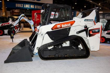 Bobcat T76e compact track loader