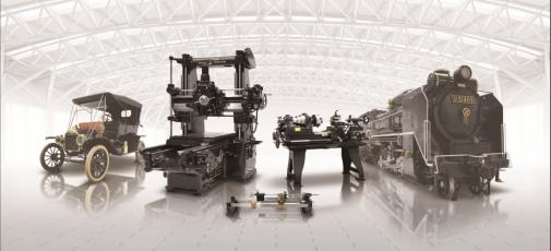 Na výstavě nechybí také několik funkčních historických obráběcích strojů a nástrojů, které byly pracně restaurovány ve spolupráci s výrobci z celého světa.