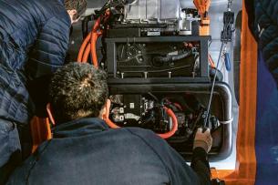 V systému jsou využity komponenty, které Toyota uplatnila ve svém automobilu s vodíkovým pohonem Mirai a nověji také v autobusech a nákladních vozech.
