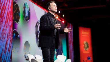 """""""Na platformě 3DExperience jsou nyní všichni, kdo se podílejí na koncepci, designu, simulaci, výrobě, prodeji a servisu, spojeni a integrováni do jedné nepřetržité smyčky,"""" uvedl v úvodu konference Gian Paolo Bassi"""