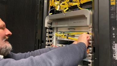 Koronavirus razantně zvyšuje prodeje serverů a zájem o provozování serverů v datacentrech