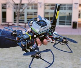 Detailní záběr dronu systému MARCUS