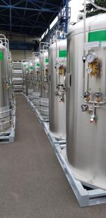 Speciální zařízení pro uskladnění a distribuci kapalného kyslíku Perma-Cyl vyráběné v děčínské firmě Chart Ferox dokáže dodávat 20 až 150krát více plynného kyslíku než konvenční vysokotlaké nádrže. Firma jej instalovala například v italské Lombardii.