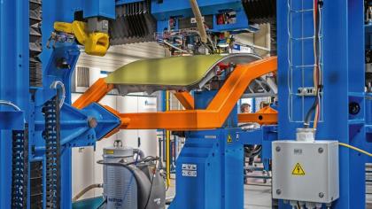 Robotický nýtovací stroj