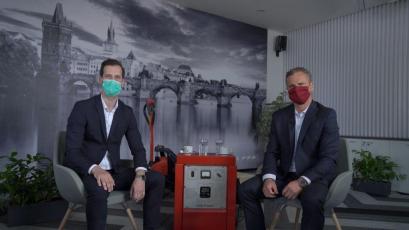 David Čepek (vlevo) a Pavel Osička během online zákaznické konference