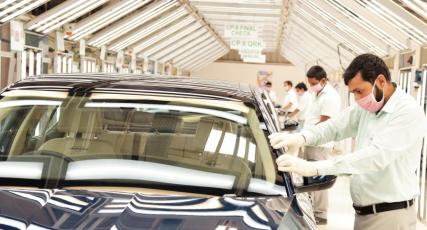 ŠKODA AUTO Volkswagen India obnovuje výrobu v obou závodech